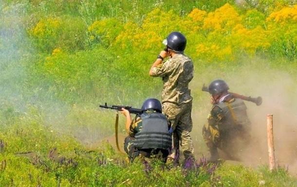 Боевики вновь избивали изоружия запрещенных калибров, активизировались снайперы