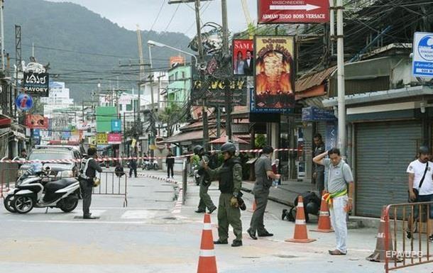 В Таиланде прогремели три взрыва