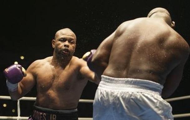 Рой Джонс травмировался в последнем бою и может завершить карьеру
