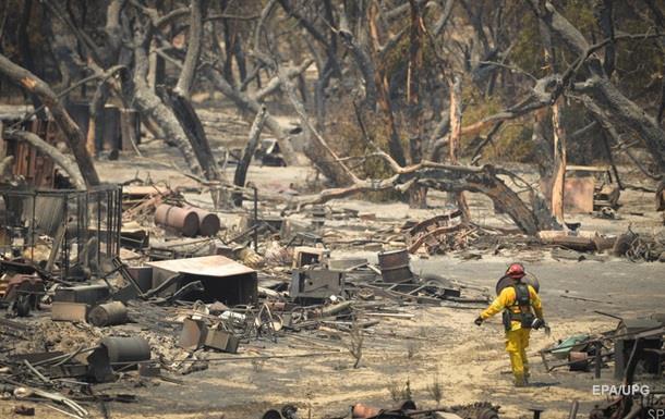 В Калифорнии сгорели почти 200 домов