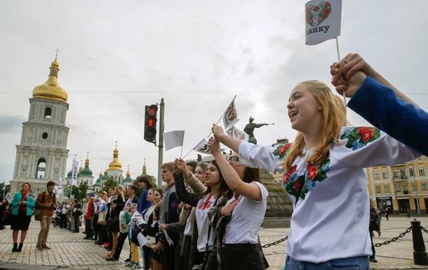 Граждан Украины заполгода стало менее на100 тыс.