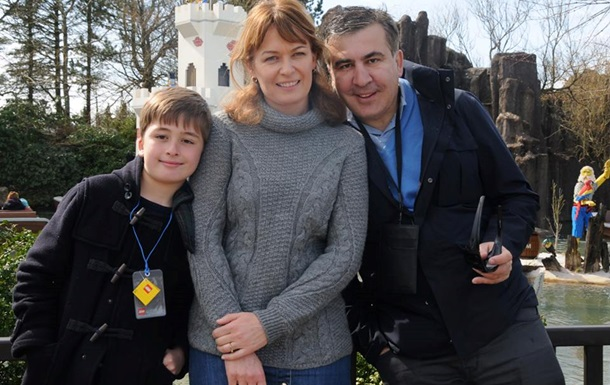 Жена Саакашвили баллотируется в парламент Грузии