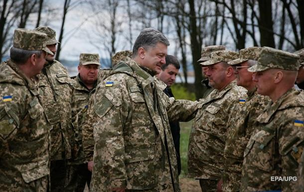 Порошенко: Мы тратим на армию в 20 раз меньше РФ