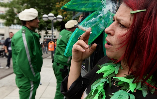 Ученые нашли отличия в действии марихуаны на мужчин и женщин - Korrespondent.net