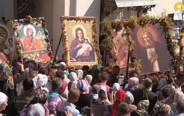 На западе Украины снова массовый крестный ход УПЦ
