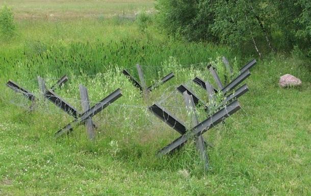 На кордоні з Кримом поставлять протитанкові їжаки