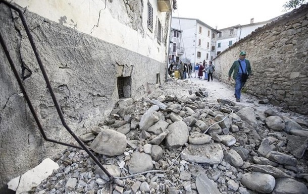 Землетрясение в Италии: жертв уже 278