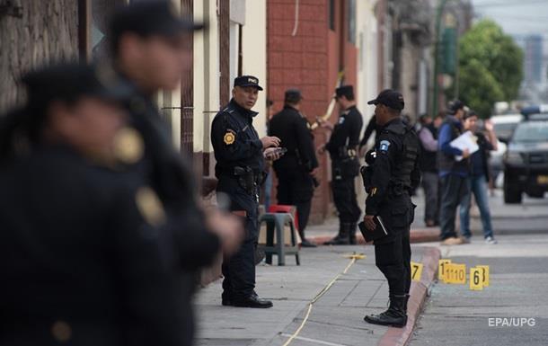 В результате стрельбы в столице Гватемалы погибли пять человек п