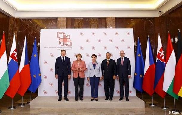 Вышеградская четверка обсудила с Меркель проблемы ЕС