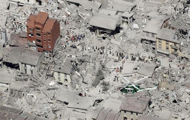 Землетрясение в Италии: число жертв достигло 290
