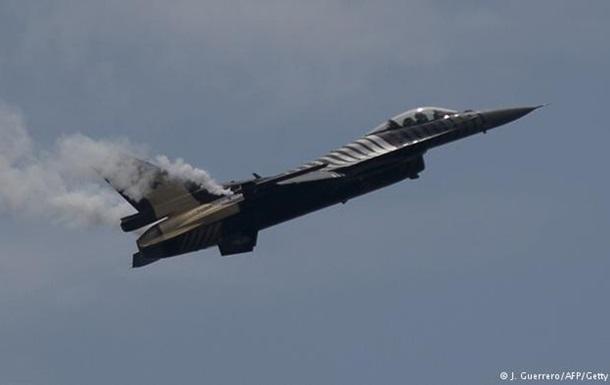 Турецкие самолеты бомбят позиции курдов в Сирии