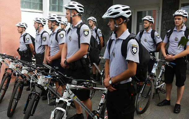 В Запорожье появились полицейские на велосипедах