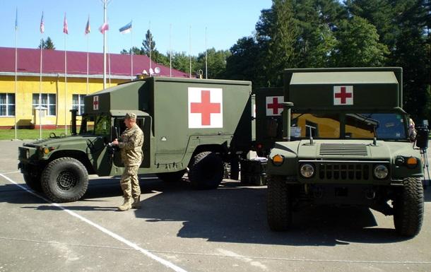 США передали Украине авто для эвакуации раненых