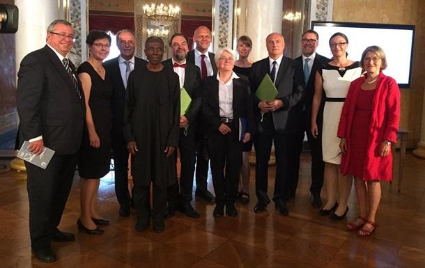 Украинского писателя Андруховича наградили медалью имени Гете