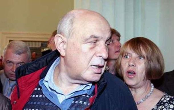 Мытцям и мытцыцям не удалось снять Резниковича с должности худрука Русской драмы