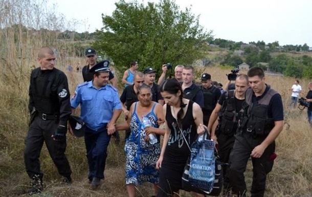Омбудсмен Рады назвал преступным выселение ромов изЛощиновки