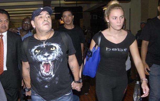 Марадона задержан полицией в аэропорту Буэнос-Айреса