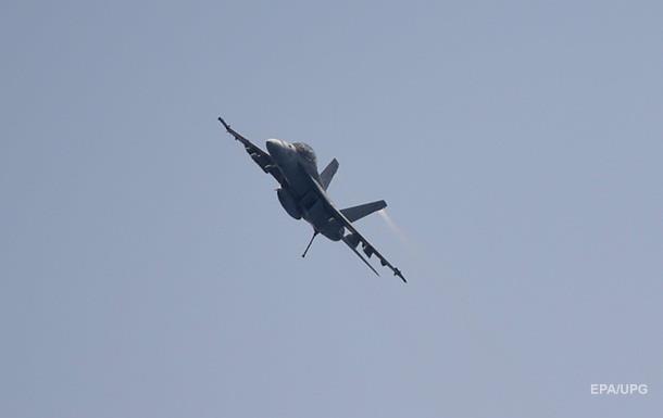 Истребитель ВВС Швейцарии пропал во время полета над Альпами