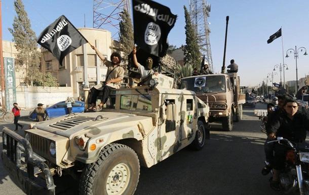 ИГИЛ казнил девять подростков с помощью электропилы