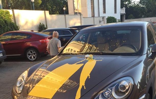 В Одессе испортили авто владельца кинотеатров за показ фильма на русском
