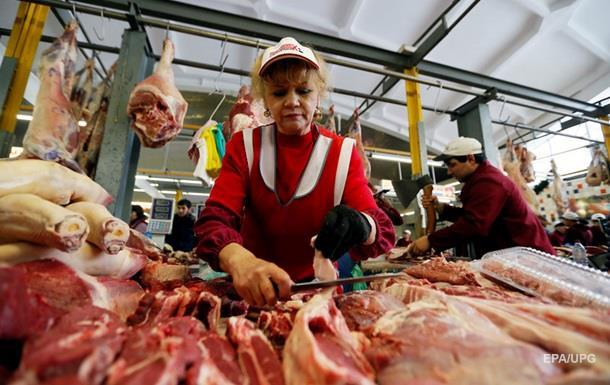 Беларусь временно отказалась от украинского мяса