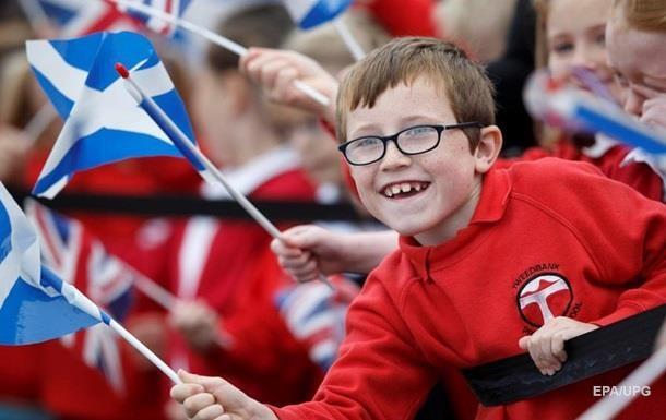 Большинство шотландцев планируют оставаться всоставе Англии