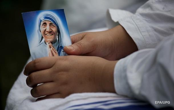 Папа Римский канонизирует мать Терезу