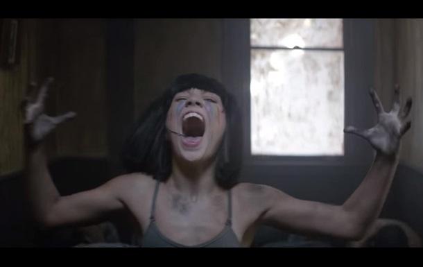 Sia представила новый клип с 13-летней танцовщицей