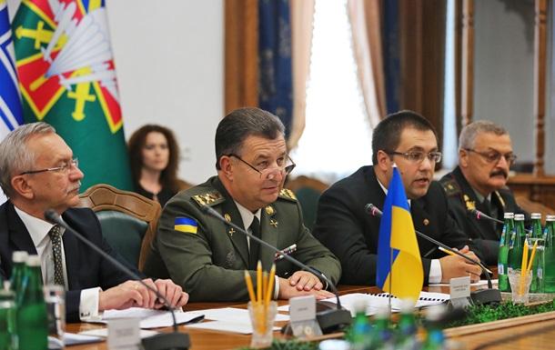 Полторак: Угроза масштабного вторжения РФ остается