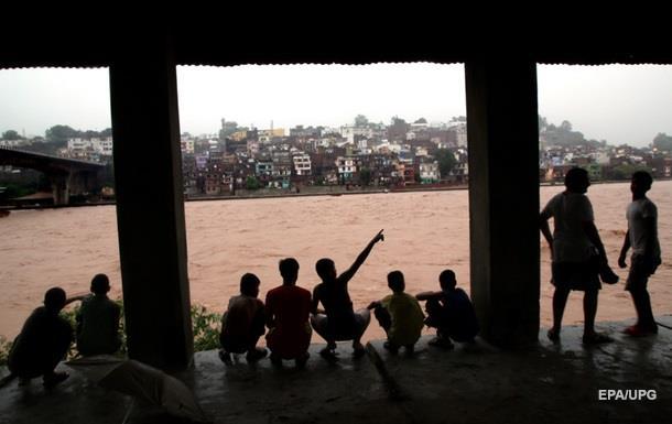 Из-за наводнения в Индии погибли более 200 человек