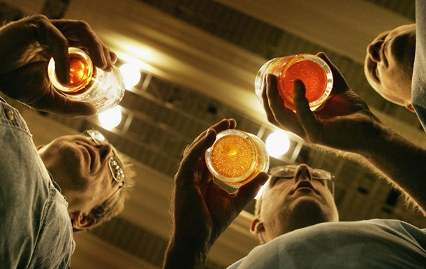 Ученые рассказали, как пить без последствий - Korrespondent.net