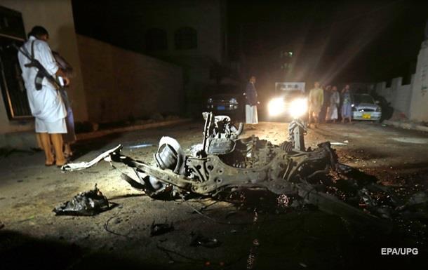 В Йемене у блокпоста взорвался автомобиль
