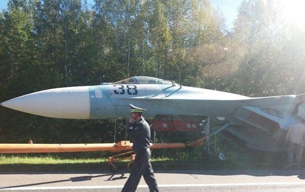 В Беларуси произошло ДТП с участием истребителя