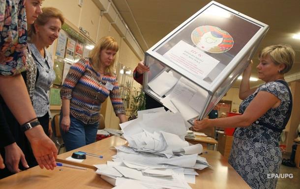 В парламенте Беларуси уже два оппозиционера