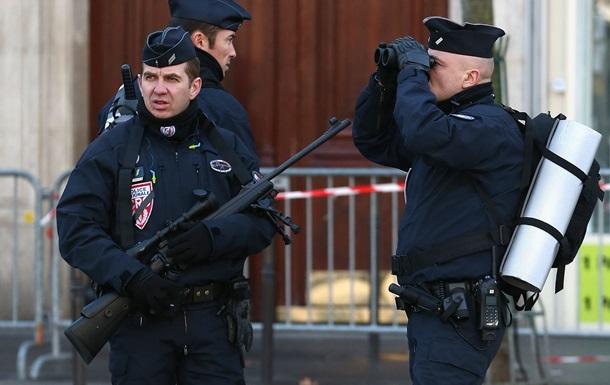 Во Франции задержали подростка по подозрению в подготовке теракта