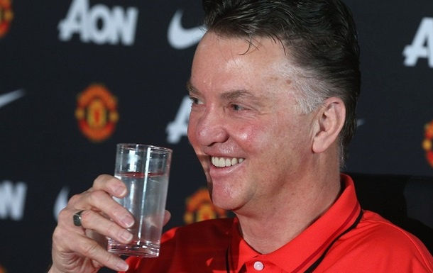 Штаб ван Гаала получит более 8 млн фунтов от Ман Юнайтед
