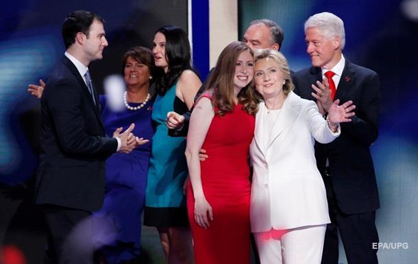 Билл Клинтон заверил, что с его женой все в порядке