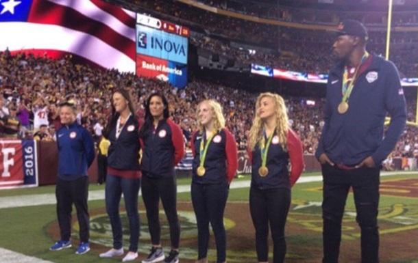 В США олимпийского чемпиона освистали в родном городе