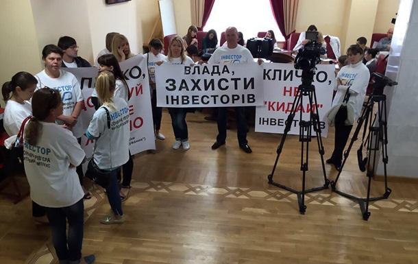 Кличко пообещал помочь инвесторам недостроя на Никольской Слободке
