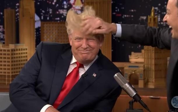 Трампа проверили на наличие парика в эфире шоу