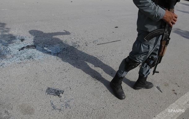 В Афганистане при авиаударе погибли восемь полицейских - СМИ