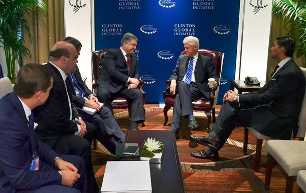 Генеральный секретарь НАТО поддержал продление действия антироссийских санкций впроцессе встречи сПорошенко