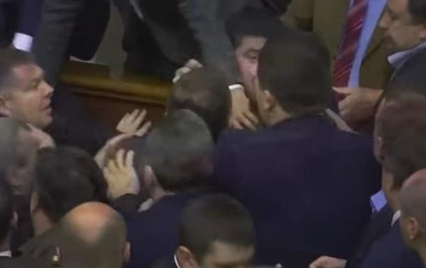 Драка депутатов Верховной Рады попала вклип