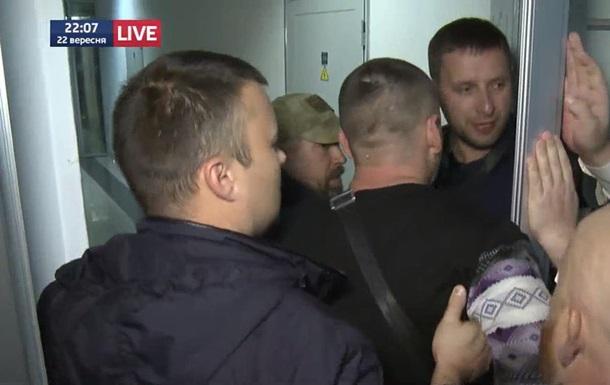 Нардепы Парасюк и Вилкул подрались после телеэфира