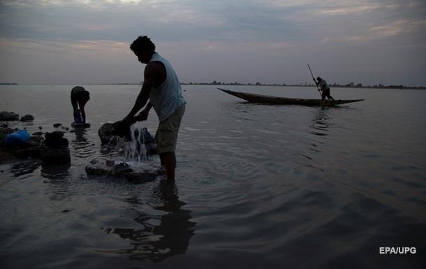Жертвами наводнения в Индонезии стали 30 человек