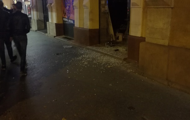 Вцентре Будапешта произошел мощнейший взрыв, есть пострадавшие