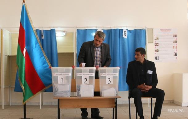 В Азербайджане начался референдум по изменению конституции