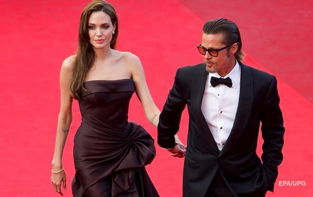 Обнародованы детали брачного контракта Джоли и Питта