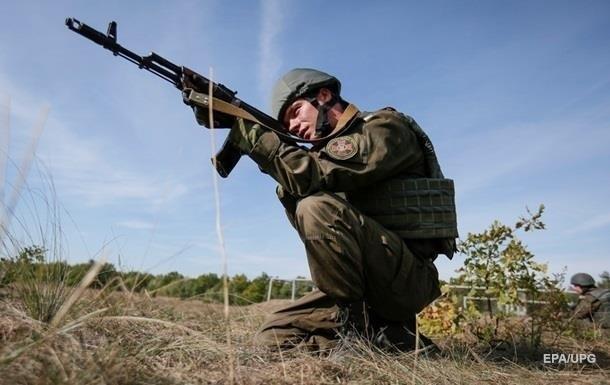 Полторак заявил о срыве перемирия на Донбассе