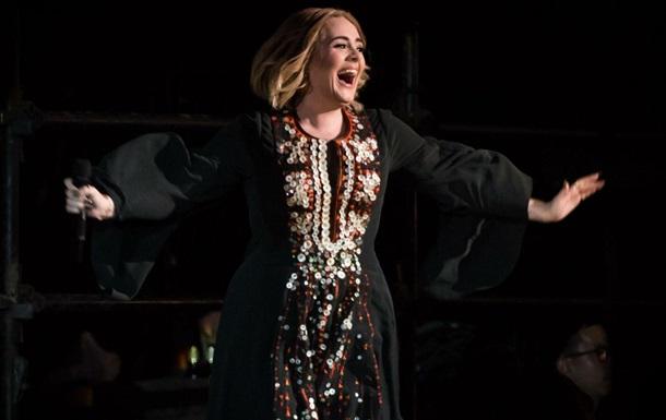 Адель стала третьей в мире дважды  бриллиантовой  певицей